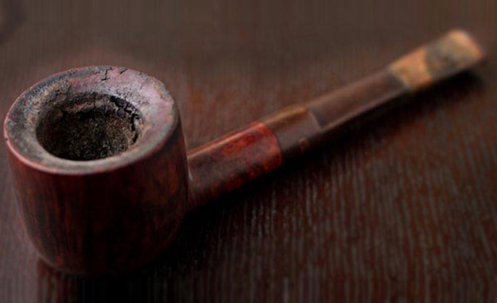 špinavá fajka na tabak - pravidelné čistenie je dôležité