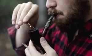 Read more about the article Ako sa správne zafajčujú briarové fajky?
