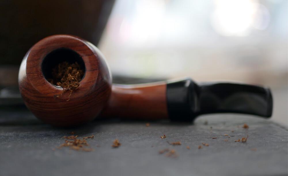 Fajka na tabak značky Sypuera naplnená tabakom